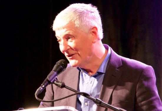Bart Gavigan, award presenter for honoree Terry Botwick