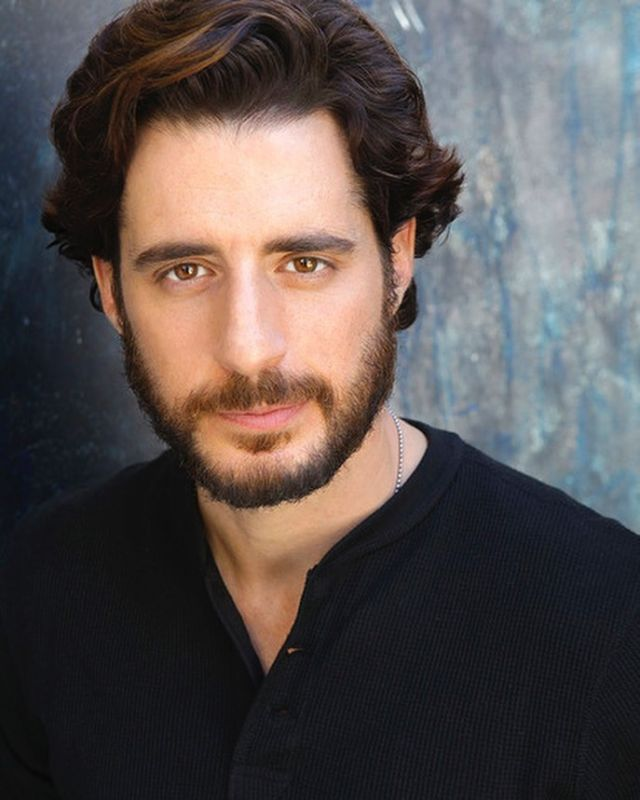 Let's pray for Jonathan Roumie, who plays the role of Jesus in the hit series @thechosentvseries Jonathan loves God and tries to live the life with mercy and humility.We encourage you to ask the Lord to protect his heart, guide his steps and build up his spiritual strength.   Leave a 🙏 if you stand in agreement with us. 🕊